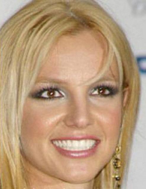 Бритни спирс пластика носа