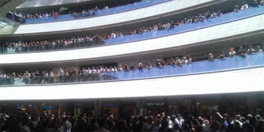 Kanyon Alışveriş Merkezi'de protestolara sahne oldu