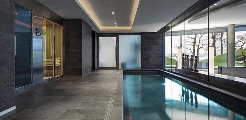 Kapalı yüzme havuzunun da olduğu evle ilgili olarak firma yetkilileri, \