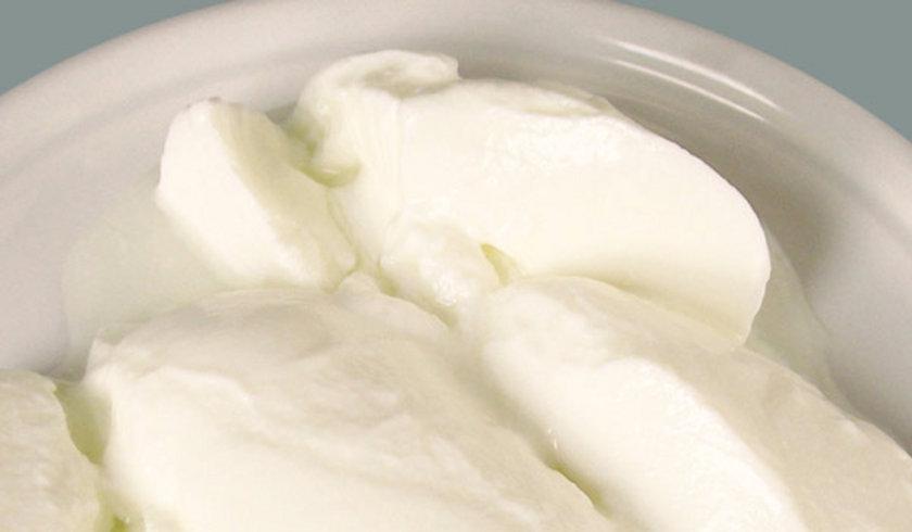 <p>Yoğurdun sindirim açısından vücutla dost olduğunu vurgulayan Şahin, özellikle kalsiyum ve protein değerinin yüksekliğinden söz etti.</p>