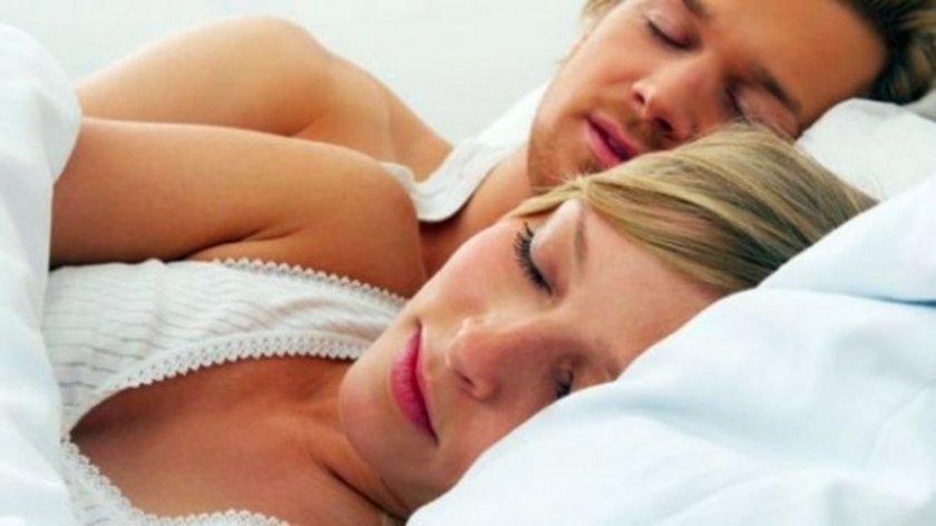 8 saat uyku süresinin ortalama olarak yeterli olduğu söylense bile, bu durum yaşlara göre değişir.