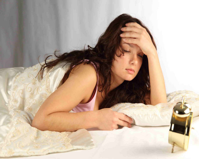 İyi ve sağlıklı bir uyku sabah dinç ve dinlenmiş kalkmak anlamına gelir. Yorgun görüntü ve gün içinde uykululuk hali, uyku bozukluklarının başlıca belirtisidir.