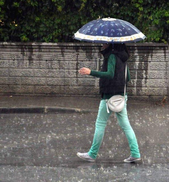 Yurt genelinde soğuk hava kendini iyice hissettiyor. İstanbul'da hava kapalı, poyraz kuvvetli esiyor.