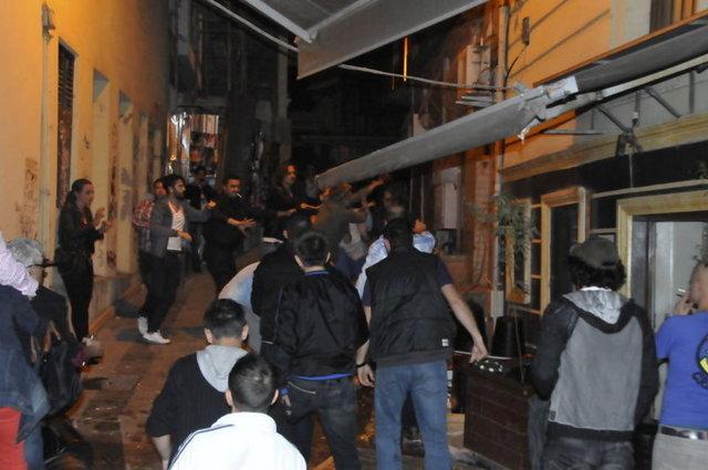 Sezen Aksu önceki akşam Asmalımescit'te Off Pera adlı barda bir doğum günü partisine katıldı.