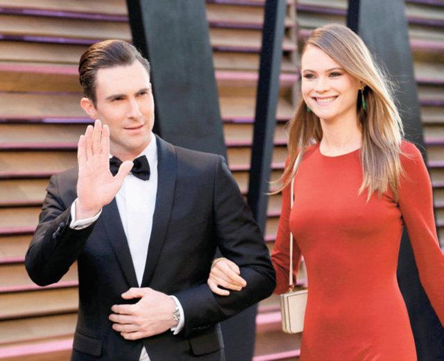 MAROON 5 grubunun solisti Adam Levine ile Victoria's Secret modeli nişanlısı Behati Prinsloo, Meksika'da sade bir törenle dünya evine girdi.