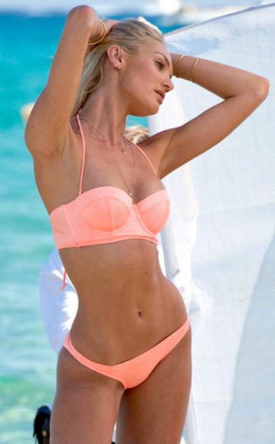 Victoria's Secret melekleri yeni sezon modelleri için Fransa'nın gözde tatil beldesi St. Tropez'de objektif karşısına geçti.