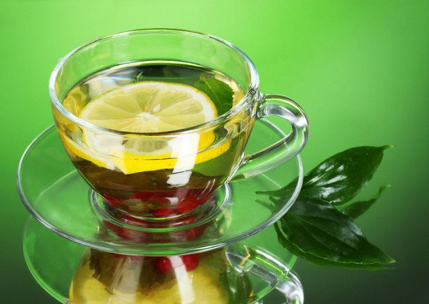 ANNE FORMÜLLERİ: Annelerimizin ve büyüklerimizin gribe karşı kullandığı en etkili yöntem ise nane-limondur. Nane limon soğuk algınlığına birebirdir.