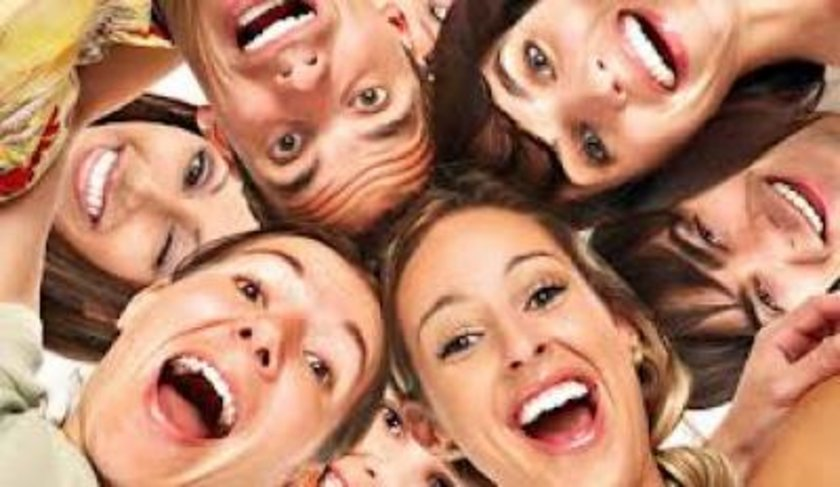 11) Moralinizi yüksek tutun! Gülüsemek bağışıklık sisteminin güçlenmesinde yardımcı olur.\n