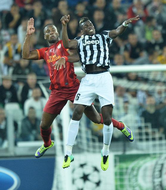 Galatasaray'ın UEFA Şampiyonlar Ligi'nde deplasmanda 2-2 berabere kaldığı Juventus maçında bir gol atıp, bir de asist yapan Didier Drogba, bu sezon önemli maçlarda takımını sırtlıyor.