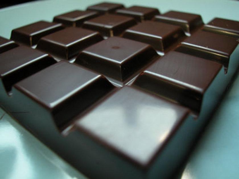 """Çikolatanın, """"bitter"""" olanını tercih edin.\n\n"""