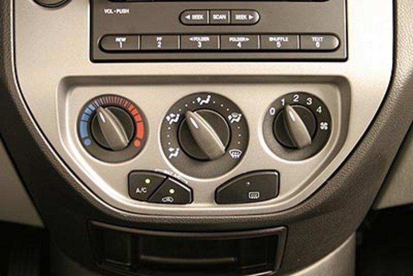 Klima, motor için ekstra bir yüktür. Klima kullanılmaması yüzde 3'e kadar yakıt tasarrufu sağlar. Özellikle kışın dışarıdaki hava sıcaklıkları izin verdiği ölçüde klimayı kapatmayı tercih edin.