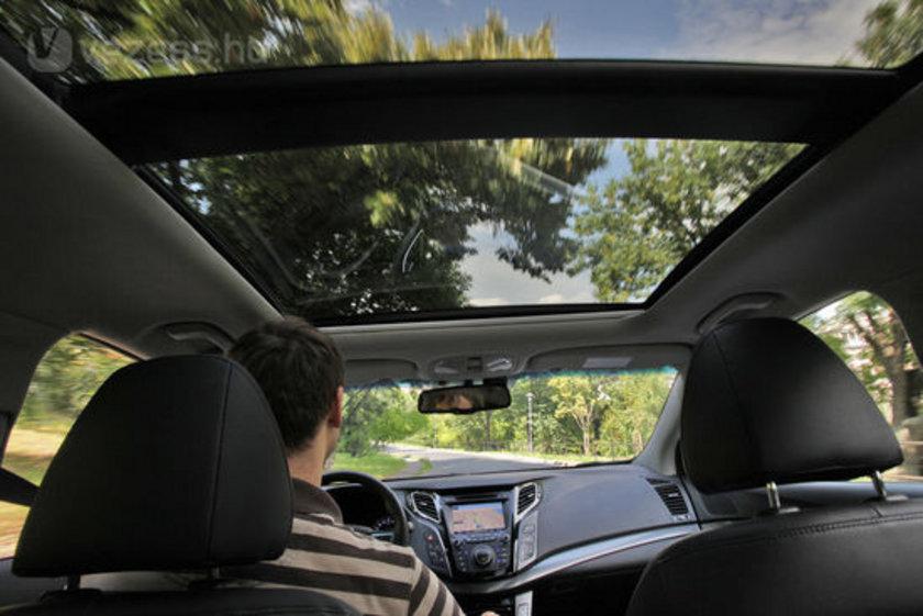 Camların açılması aerodinamik çekiş oluşturur, bu da aracınızı yavaşlatır. Gerekli hızda seyretmek için daha fazla enerji gerekir ve bu da daha fazla yakıta ihtiyaç duyar.