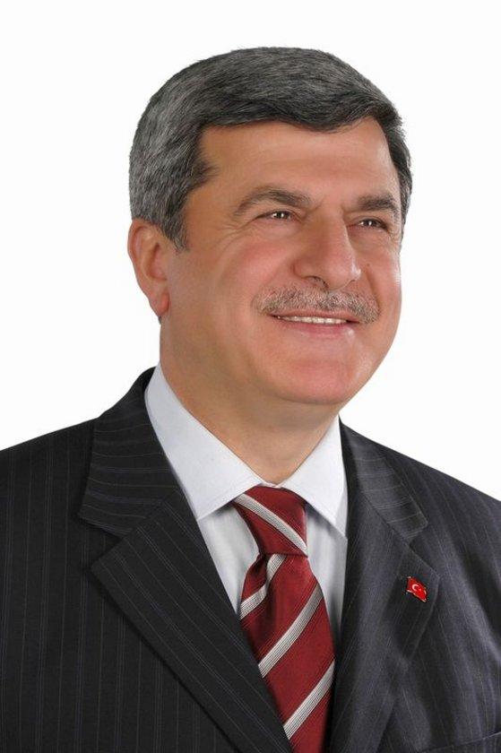 AK Parti Kocaeli Büyükşehir Belediye Başkan Adayı İbrahim Karaosmanoğlu. Mevcut Kocaeli Büyükşehir Belediye Başkanı