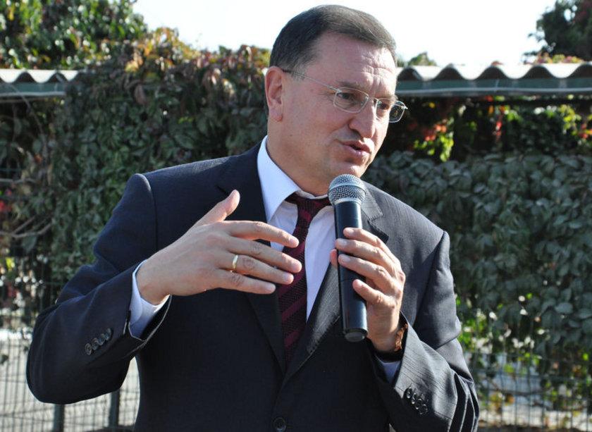 HATAY... AKP'li Lütfü Savaş 2009'da %50,90 ile kazandı. Ak Parti Hatay Büyükşehir Belediye Başkan Adayı Sadullah Ergin oldu