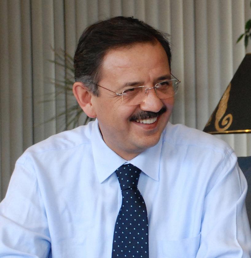 KAYSERİ... AK Parti'li Mehmet Özhaseki 2009'da %60,52 ile kazandı. Mehmet Özhaseki yeniden AK Parti Kayseri Büyükşehir Belediye Başkan Adayı oldu