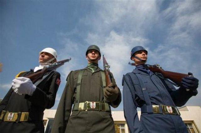 Anıtkabir'in 'heykel' askerleri