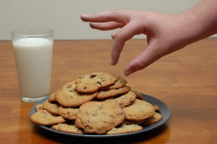 İlk hedef, uyguladığınız diyette, kalori alımını yavaş yavaş azaltmak olacaktır.