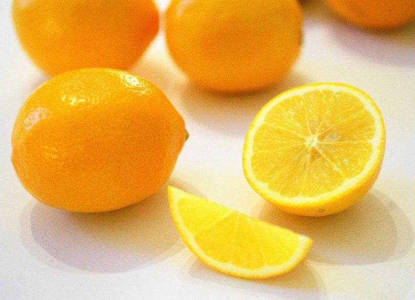 Bilindiği üzere, iki çeşit limon ağacı vardır. Limon ve misket limonu. (Konu olan limondur, diğeri değil) Limon meyvesini farklı şekillerde tüketebilirsiniz. Pulpa'sı yenebilir. Sıkılarak suyu çıkarılabilir. Limonlu içecekler yapılabilir, dondurma gibi...