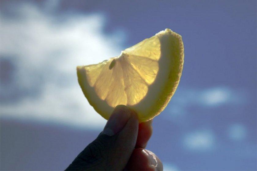 Hatta limon kokusunun sinir sisteminde sakinleştirici bir etkisi vardır.