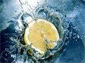 İltihabı azaltır: Düzenli olarak limon suyu içerseniz vücudunuzdaki hastalık haline yol açan asitlik derecesi azalacaktır.