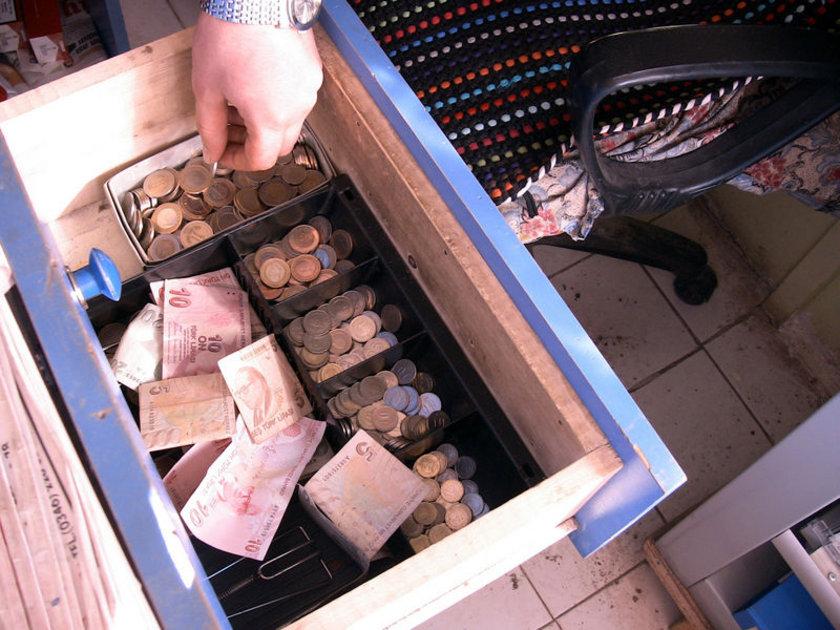 <p>Tesisatlarda uygulanacak camyünü prefabrik boru ve vana ceketi uygulamaları, ısı kayıplarını azaltır.</p>