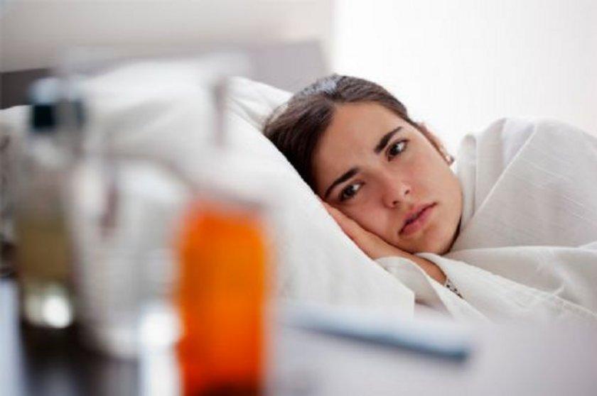 Grip genellikle çocuklarda kusma, ishal gibi belirtilere yol açsa da bunlar gribin esas belirtileri değildir. Bunlar başka nedenlerden kaynaklanır. Mide gribine virüsler, bakteriyal enfeksiyonlar ve hatta parazitler neden olur.