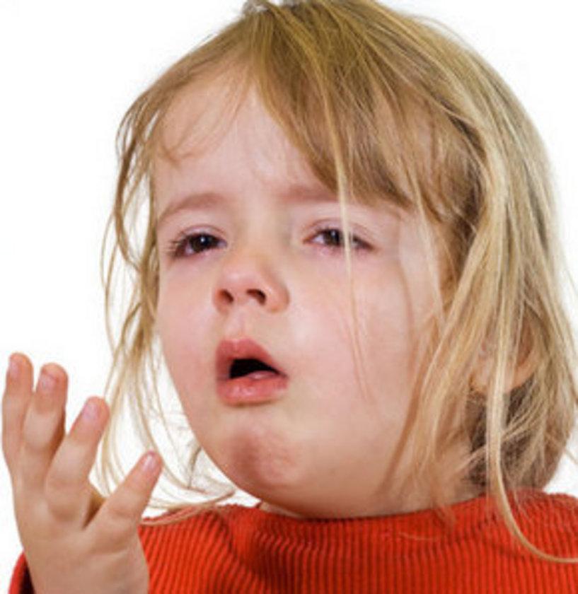 Öksürük tedavilerinde; öksürüğe neden olan hastalık tanısının gecikmemesi ve tedavi süresinin daha kısa sürmesi için ilaç veya şurup kullanımının mutlaka doktor kontrolünde olması gerekmektedir. \n