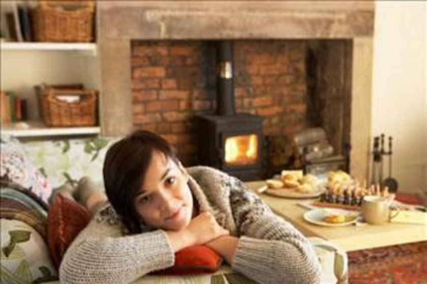 Her gece aynı saatte yatıp her sabah aynı saatte kalkarak biyolojik saatimize uymuş oluruz. Düzensiz uyku sistemi, jet lag ile benzer etkilere sahiptir; gün boyu uyuşukluk, algılama bozukluğu, huysuzluk, enerji kaybı.