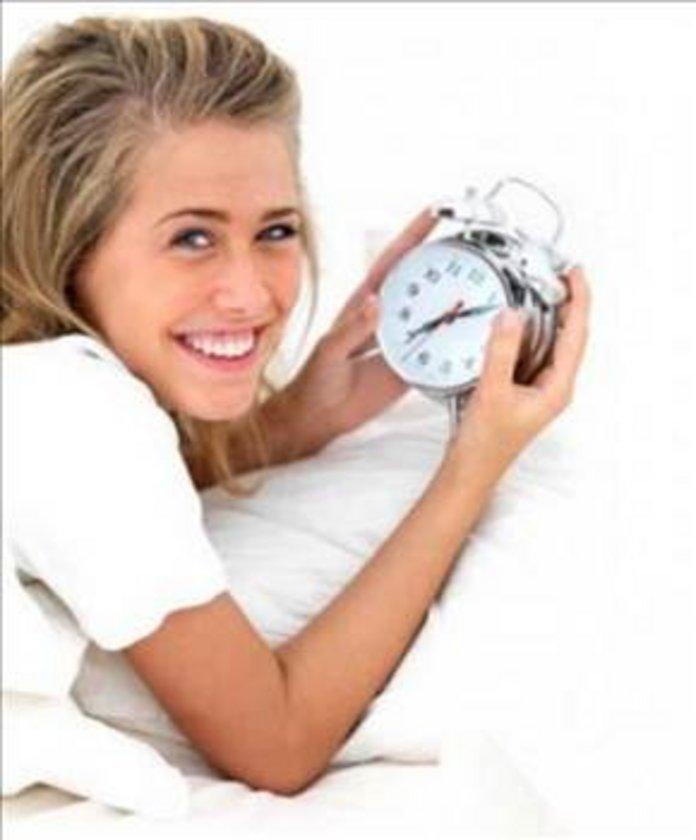 Melatoninin uyumanıza yardım ettiğini düşünürseniz büyük ihtimalle edecektir, üstelik yan etkisi olmadan.