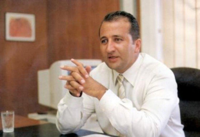 Erkut Soyak<br>\nSoyak Holding Yönetim Kurulu Başkanı Erkut Soyak İTÜ inşaat mühendisliğini bitirdi.
