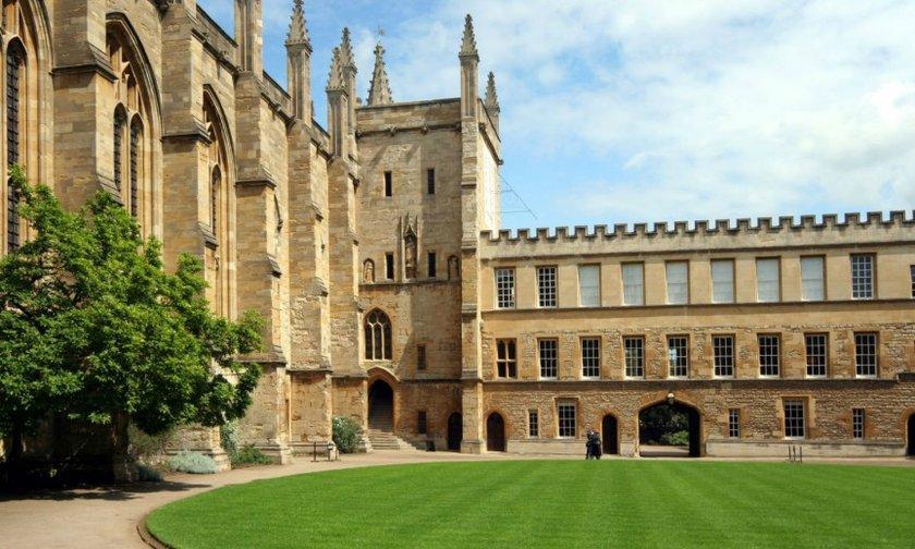 5- Oxford Üniversitesi<br>\n\nTony Blair ve David Cameron da dahil olmak üzere 26 başbakan çıkardı. Ayrıca, Eski ABD Başkanı Bill Clinton da Oxford'dan mezun oldu.