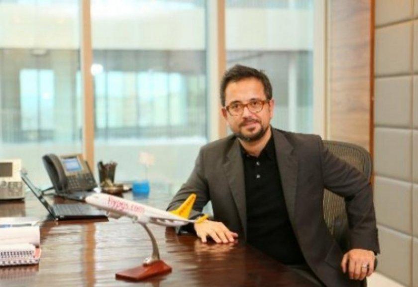 Ali İsmail Sabancı<br>\nABD'de bulunan Tufts Üniversitesi'nde ekonomi ve siyasal bilgiler alanında eğitim aldı.\n