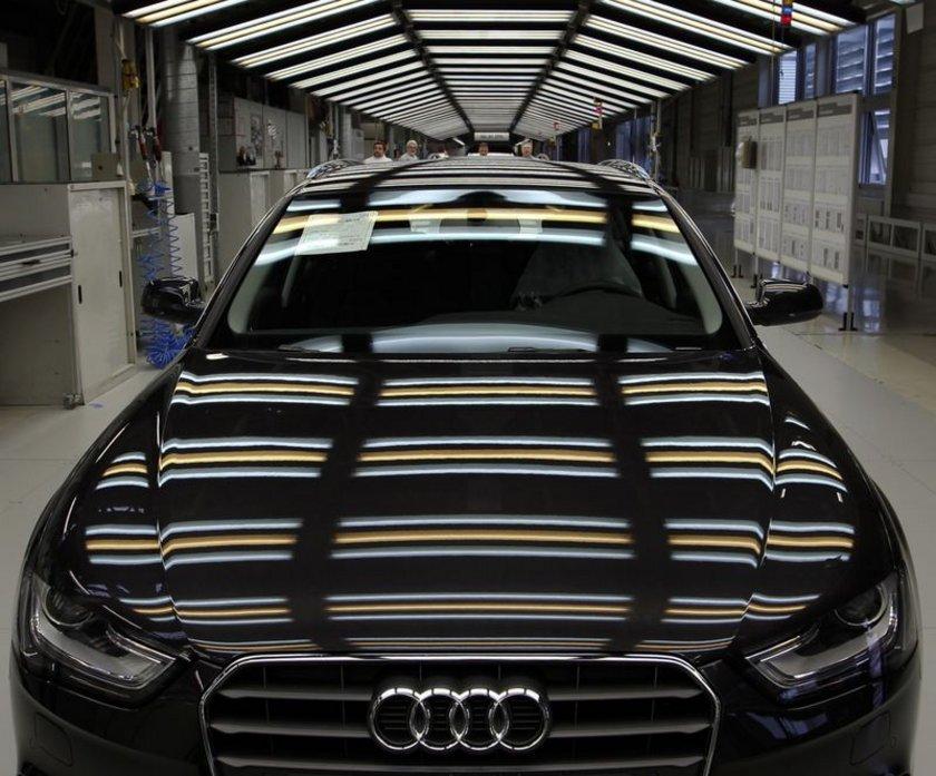Audi A4 İlk üretim tarihi: 1994 Yaş: 20\n
