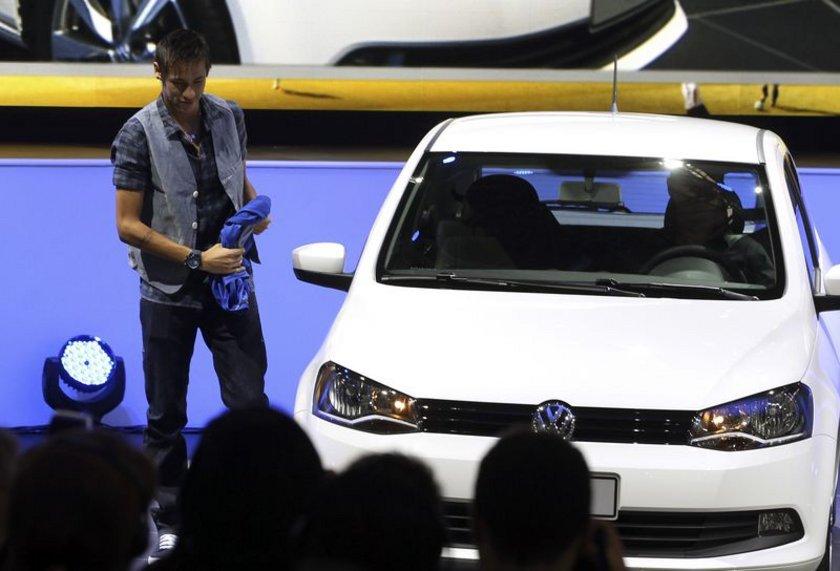 Volkswagen Gol İlk üretim tarihi: 1980 Yaş: 34\n