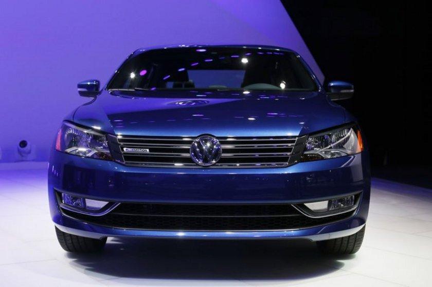 Volkswagen Passat İlk üretim tarihi: 1973 Yaş: 41\n