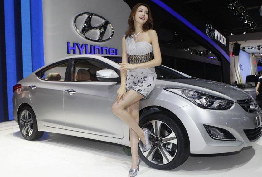 Hyundai Elantra İlk üretim tarihi: 1990 Yaş: 24\n