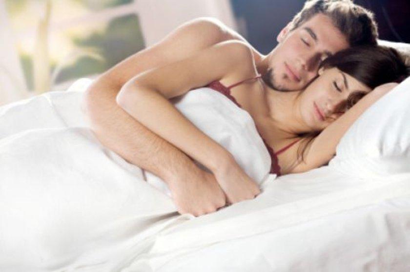 Troxel, Pittsburgh Üniversitesi tarafından yapılan araştırmada kötü uyku arkadaşı olan çiftlerin negatif etkilerinin ilişkilerini de kötü etkilediğini belirtti. \n