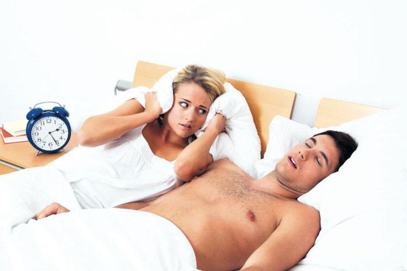 Birlikte uyuyamama sorunu yaşayan çiftlerde bu sorunlar bir kısır döngüye girerek sıkıntılı ilişkilere neden oluyor. \n