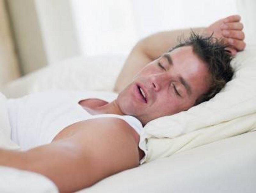 1600'lerin dünyasında yetişkinler 9 saat ila 10 saat uyuyordu.