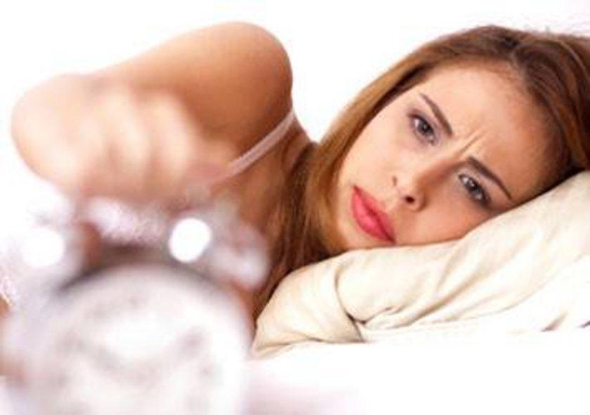 İnsanlar kendilerine en yakın tür olan maymunlardan 3 saat daha az uyur.