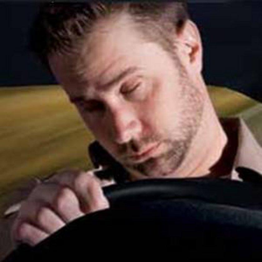 \nYaz veya kış saati uygulamasının başladıktan sonraki birkaç günde, Kanada'da uyku bozukluğundan kaynaklanan kaza oranının arttığı tespit edildi.\n