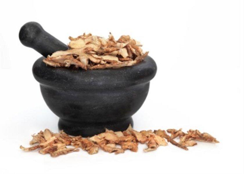Meyankökü\n<br>Güçlü bir mide koruyucusu. Yapılan son araştırmalara göre midedeki aşırı asitlenmeyi azaltıyor.