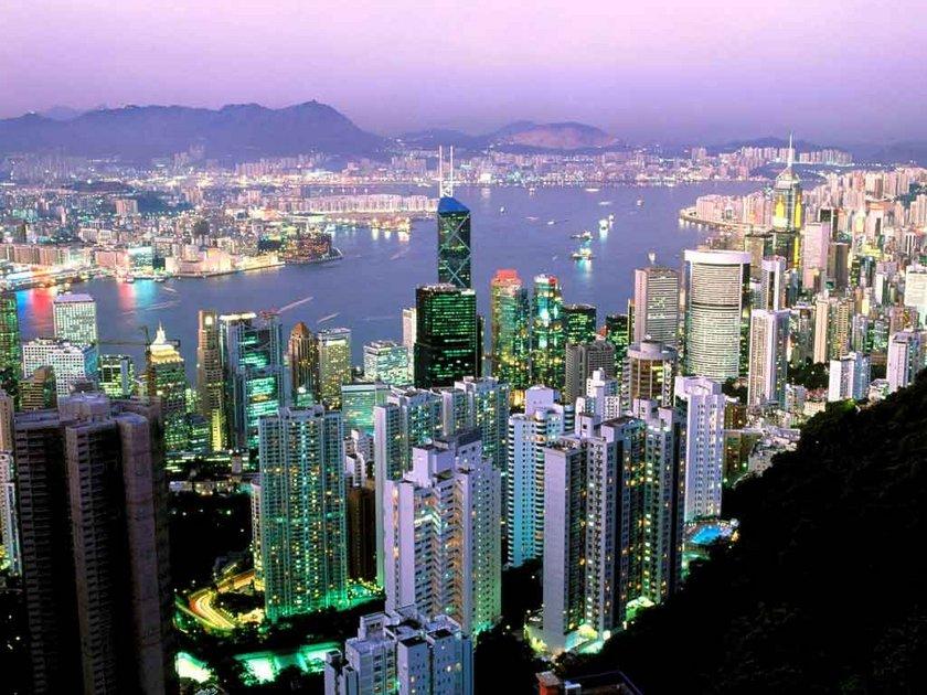 Hong Kong\nMetrekare fiyatı: 49 bin 200 - 54 bin 400 dolar
