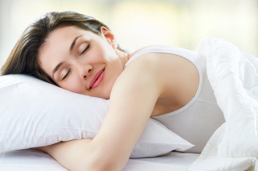 Doğal dinlenme biçimimiz olan uyku, bedensel fonksiyonlarımızın en önemlilerinden biri.