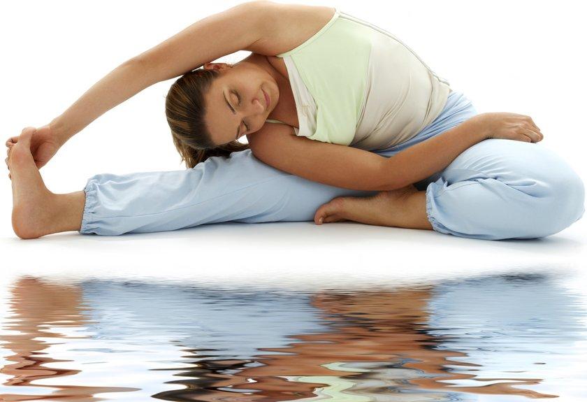 YOGA YAPIN: Germe egzersizlerinin yanı sıra yoğa çalışmaları aynı zamanda zihninizin de rahatlamasını sağlar.
