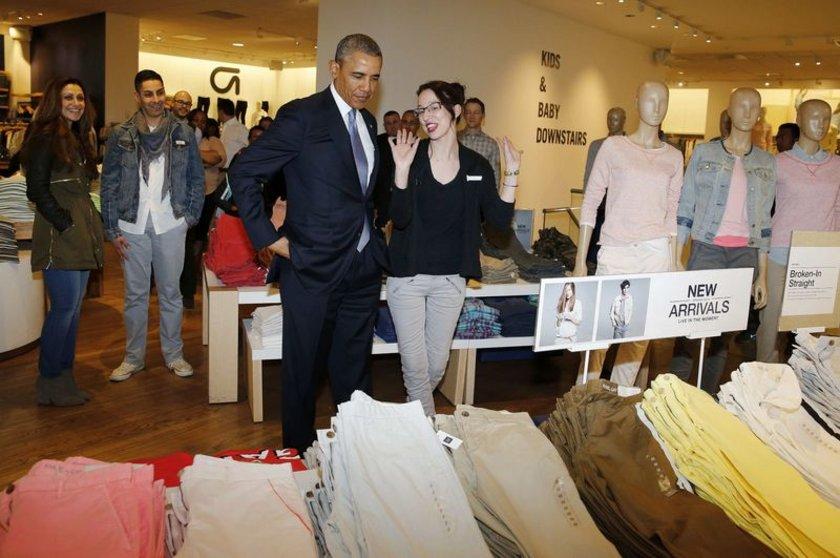 Obama, daha sonra mavi bir ceket ve bir çift kazakta karar kıldı.