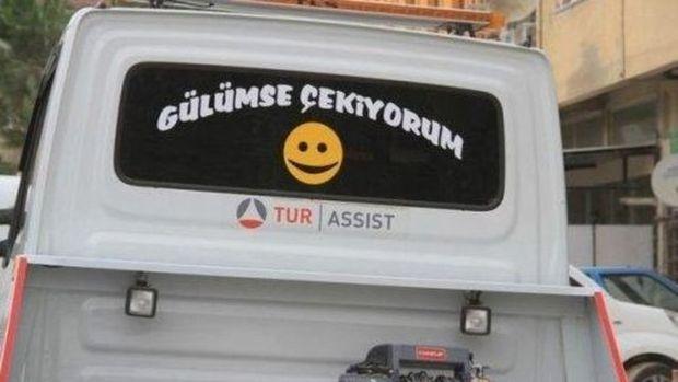 Türklere özgü araba arkası yazıları!