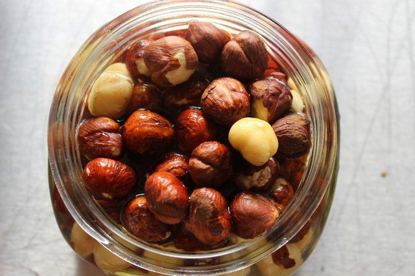 Fındığı öğünlerinizin arasına alın...\n<br>Fındığı sadece atıştırmalık olarak düşünmeyin. Fındık protein, lif, iyi yağlar açısından mükemmel bir besin kaynağıdır. Eğer düzenli olarak fındık tüketirseniz kalp hastalığı riskini azaltabilir...