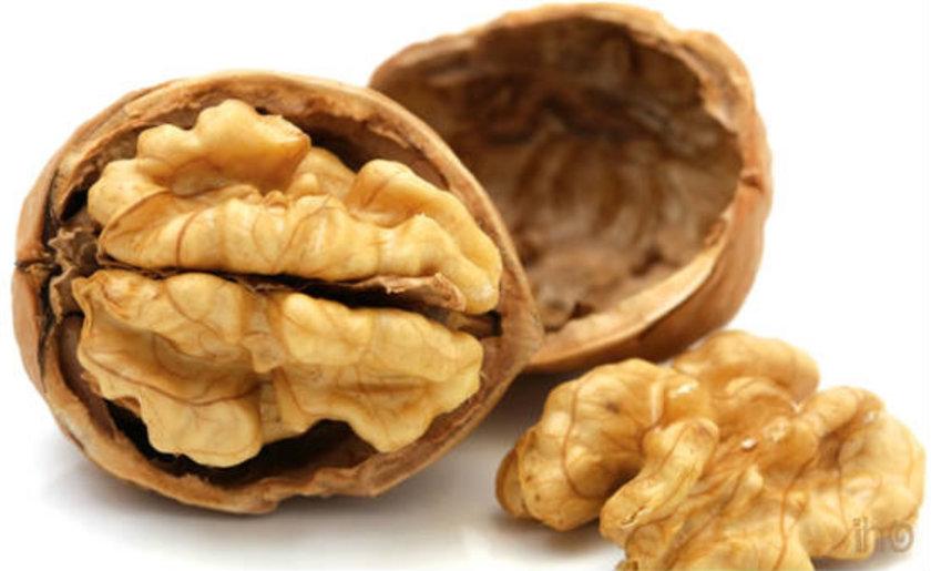 Ceviz ve fındık: Yüksek antioksidan özelliği olan omega-3 ve E vitamininin yanı sıra magnezyum ve posa da içerir. Haftada 2-3 kez 6-7 fındık ve 2-3 ceviz tüketilmelidir.