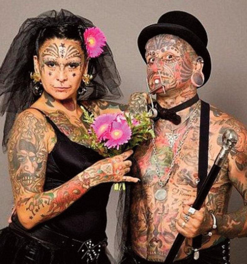 BU REKORLARA İNANMAKTA ZORLANACAKSINIZ<br>Arjantinli çift Gabriela (42) ve Victor Peralta (43), dünyanın vücudunda en çok dövme, piercing ve başka süslemeler olan ikilisi. İkisinin toplam 77 dövmesi var.